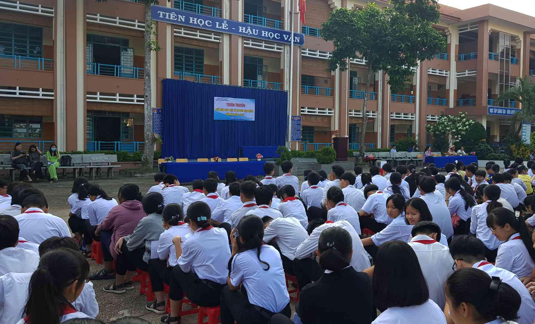 Quang Canh buoi tuyên truyên ATGT